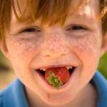 10 motive sanatoase sa mananci ca un copil