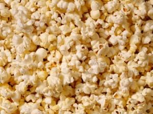 Un pachet mediu cu popcorn poate contine foarte multe calorii