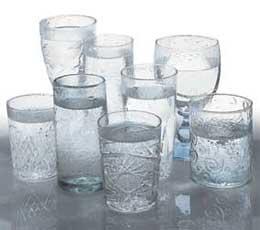 Cum poti sa bei cele 8 pahare de apa necesare intr-o zi