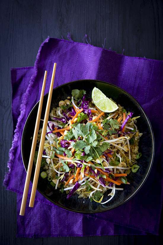 Salata Thailandeza cu alune si Quinoa