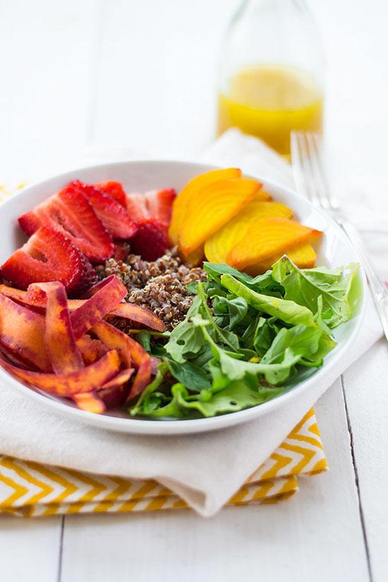 Salata curcubeu cu quinoa, miere, citrice si ulei