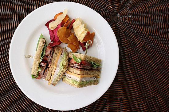 Sandwich cu carne de curcan