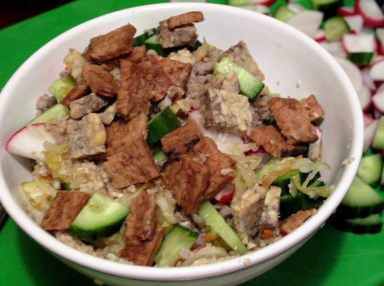 Salata-asiatica-cu-susan-si-hrisca
